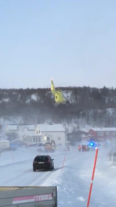 Her tar helikopteret av