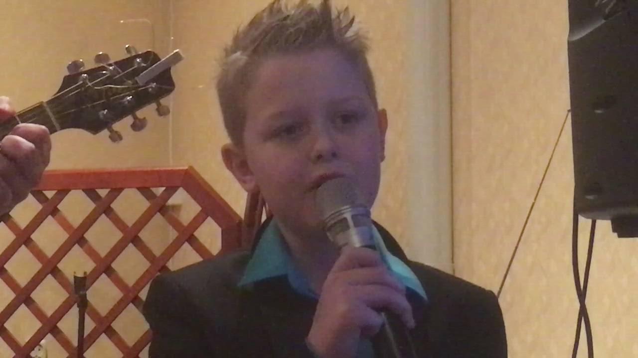 Arian synger «Har du fyr»